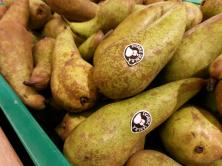 Pears marked as apples?